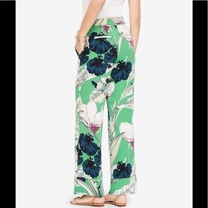Ann Taylor Palm Leaf Pajama Trouser LIKE NEW